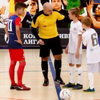 Подопечные фонда «Арифметика добра» сыграли в мини-футбол с детьми сотрудников Банка России