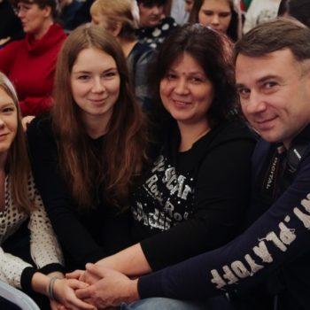 Родители обсудили парадокс закона о профессиональных приемных семьях