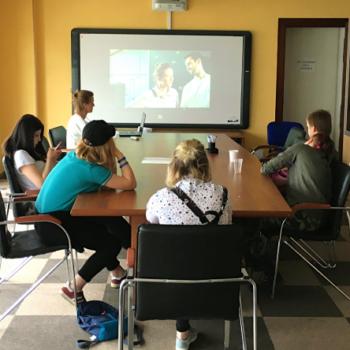 Для воспитанников ЦССВ «Алые Паруса» состоялся показ интерактивного фильма «Все сложно», просветительного проекта «Такие дела»