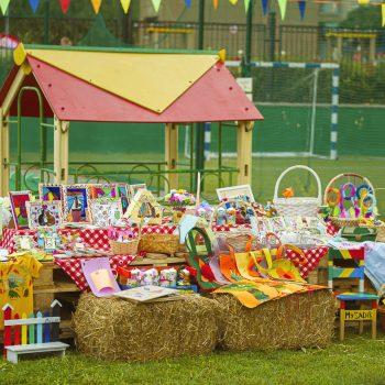 Дети помогают детям: ученики поучаствовали в благотворительной ярмарке