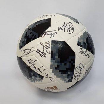 Тренировки вместо конфет: капитан футбольного «Торпедо» поддержал акцию фонда «Подарки не нужны»