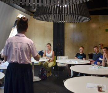 В Superjob прошел первый обучающий мастер-класс для детей-сирот