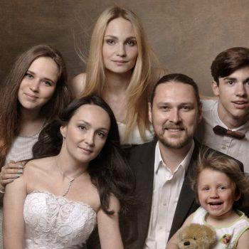 """""""Когда Гоша жил в детском доме, он о будущем вообще не думал. Он его боялся."""" История семьи, взявшей под опеку 16-летнего сироту"""