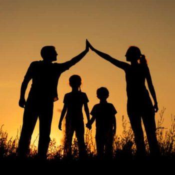 Семья по регламенту: нужно ли ужесточать требования к приемным родителям?